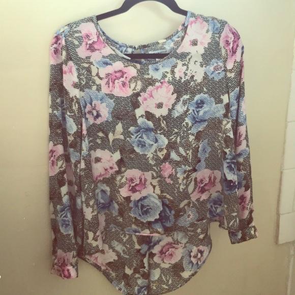 Glamorous Tops - Satin flowery blouse